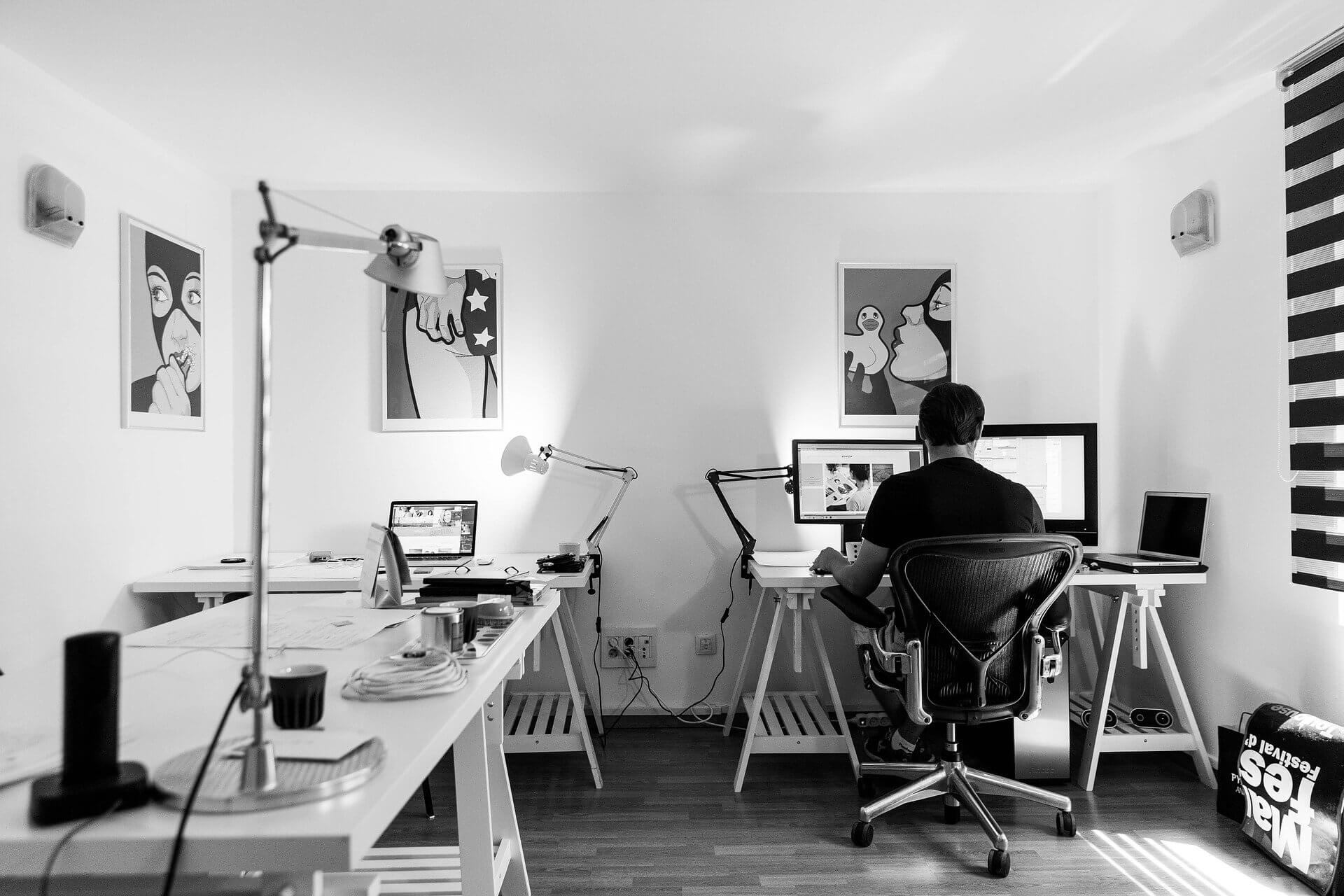 Praca przy komputerze po operacji przepukliny pachwinowej